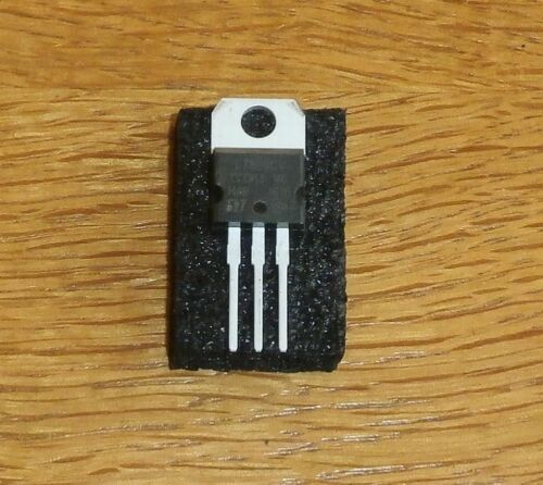 5 x L 7809 CV = 5 pcs = 9 V // 1,5 A , Spannungsregler IC