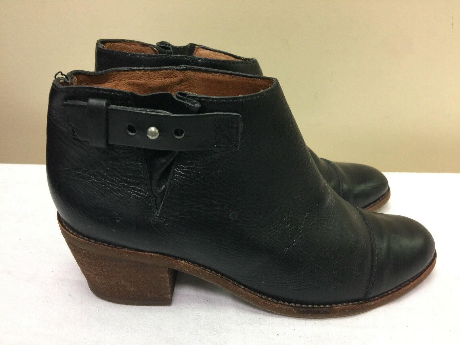 MADWELL  black leather ankle women boots size US 6.5M