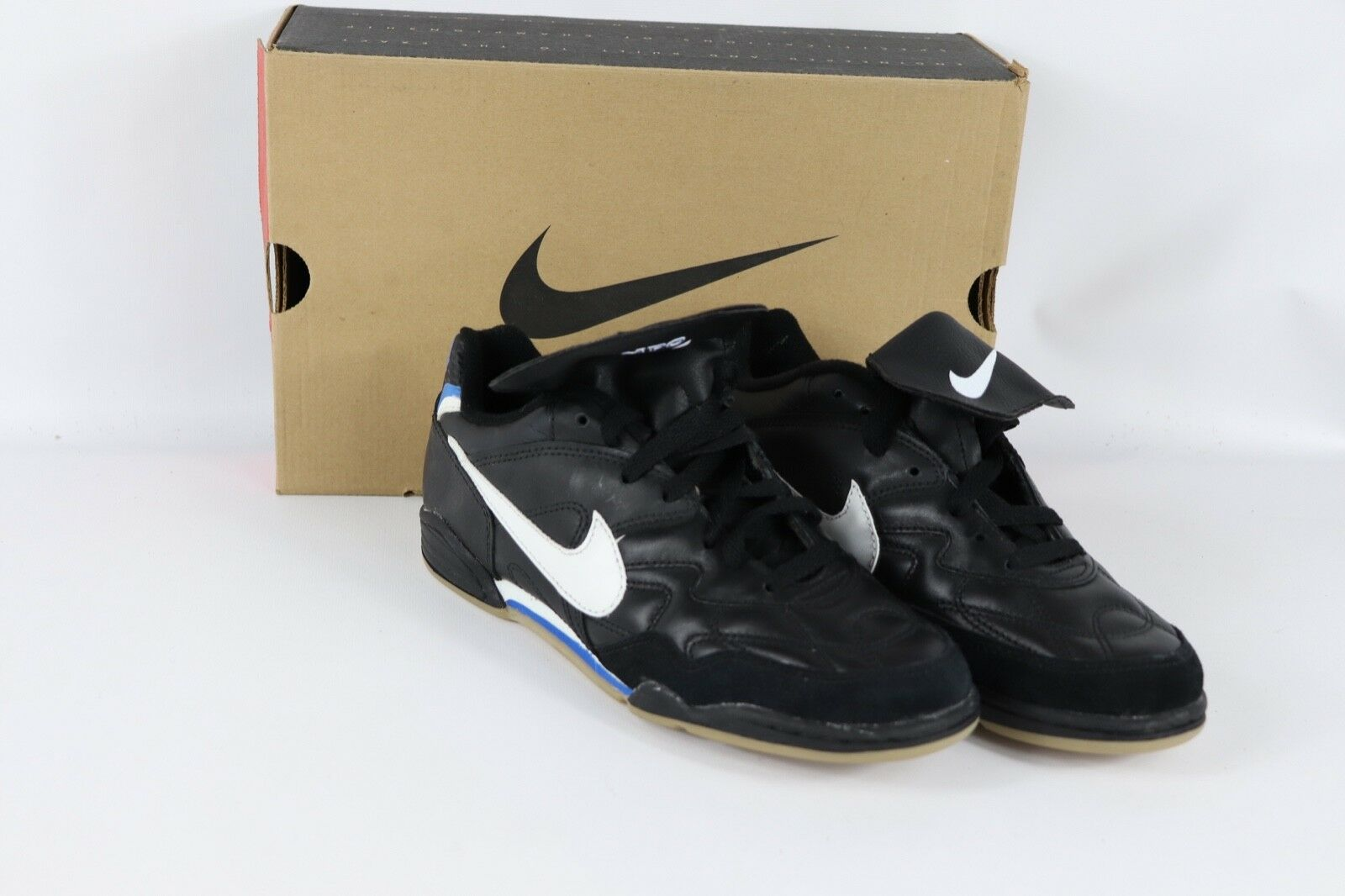 Vtg 90s New Nike Mens 8.5 Tiempo Pro TR Indoor Soccer shoes Trainers Black White