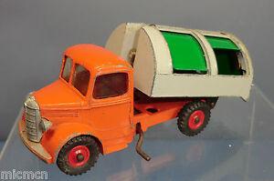 Dinky Toys Modèle No.252 Wagon à Déchets Bedford    Rare   Orange/ Grey Version
