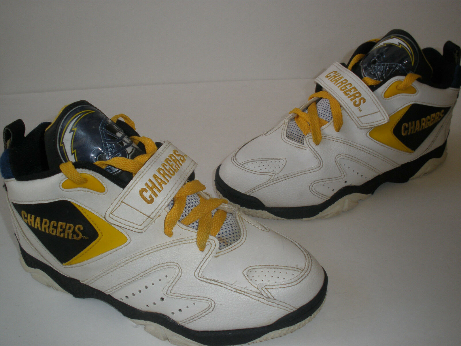 @ TEAM NFL 1994 CHARGERS SHOES SIZE US 7   RARE HOT VINTAGE only 1 pair on EBAY