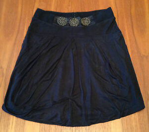WITCHERY-Black-Bubble-Style-Beaded-Detail-Front-Silk-Trim-Short-Length-Skirt-10