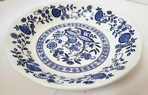 Vintage-Enoch-Wedgwood-Blue-Onion-Coupe-Soup-Bowl-7-1-2-England-Blue-amp-White