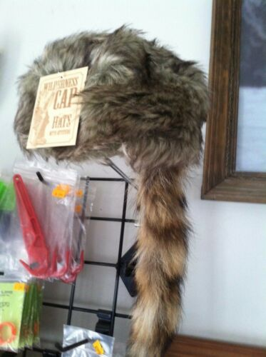 Adult COON SKIN CAP Real Tail hat raccoon Wilcor Wilderness Cap trap traps