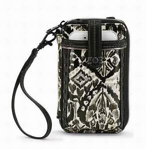 NWT-Sakroots-Smartphone-Wristlet-Crossbody-Jet-Brave-Beauti-iPhone-6
