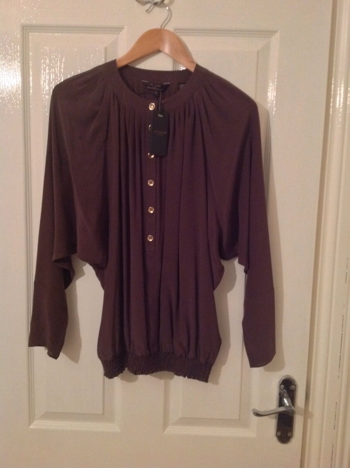 LADIES 'TEDBAKER' BRAND NEW braun SILK BLOUSE. Größe 8 TEDBAKER 1. LABEL ATTACHED