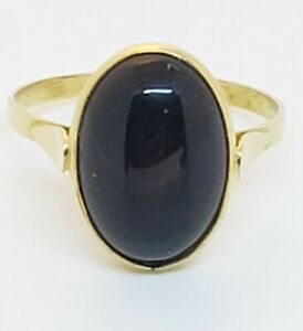 Beautiful-18k-yellow-gold-and-onyx-ring-7-1-4