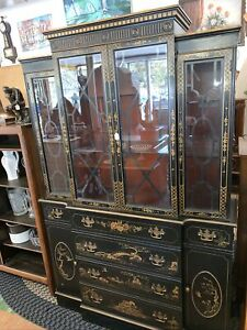 Rare-Black-Lacquer-Chinoiserie-Breakfront-China-Cabinet-Hutch-Gilt-Artwork