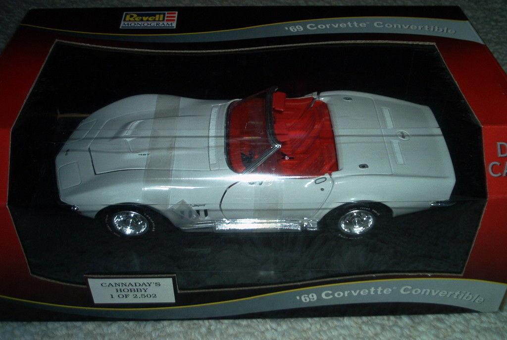 Revell Cannadays 1 18 1969 Corvette Roadster  1 2502