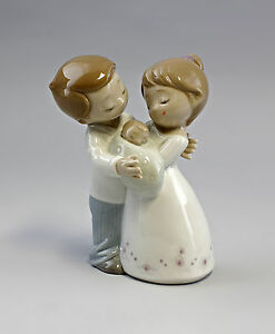 Liebe-ist-Paire-avec-bebe-Lladro-Nao-Porcelaine-a6-56050