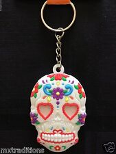 WHITE DAY OF THE DEAD SUGAR SKULL KEY CHAIN. LLAVERO DE DIA DE MUERTOS CALABERA