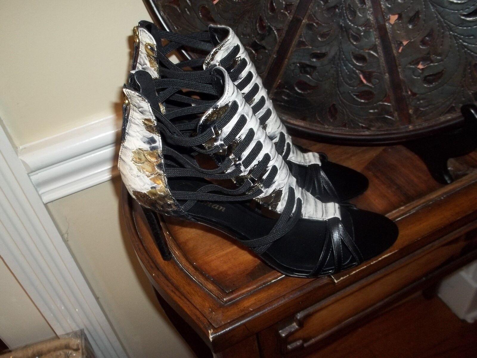 Nuova Delman nero Off  bianca Snake Print Strappy High Heel Sandal scarpe 9.5  negozi al dettaglio