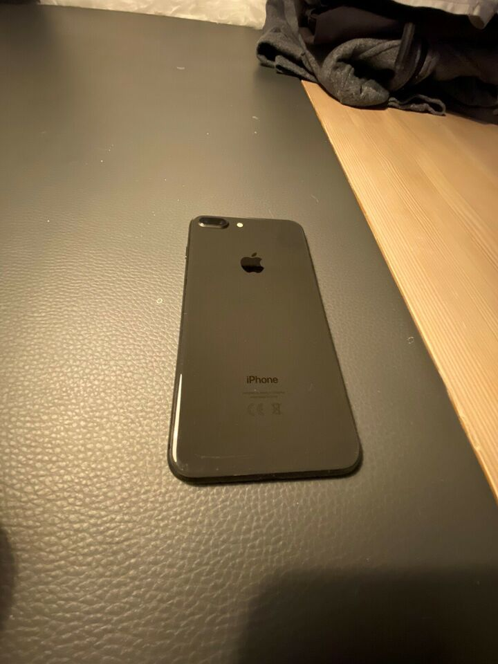 iPhone 8 Plus, 64 GB, sort