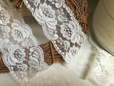 Broderie Anglaise Flat Lace trimmings  1 1//2 inch Ivory//Beige 2 metres