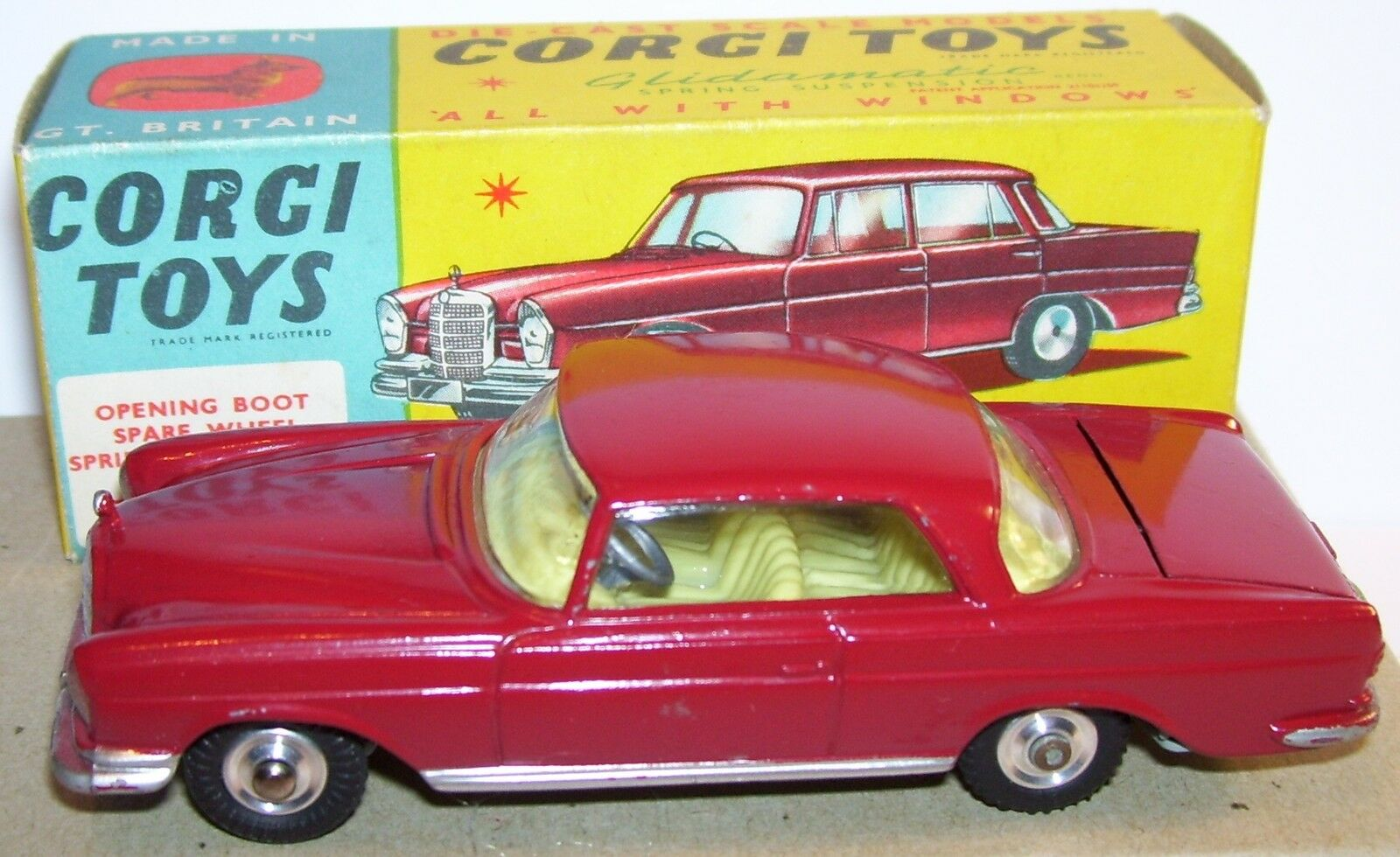 OLD RARE CORGI TOYS MERCEDES BENZ 220 IS COUPE COUPE COUPE WINE RED 1962 REF 230 IN BOX 912a1f