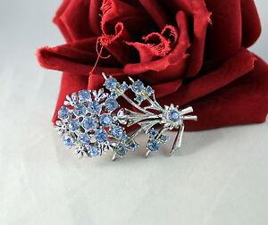 Vintage-Baby-Blue-Rhinestone-Silver-tone-Flower-Pin-Brooch-CAT-RESCUE