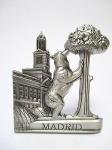 Madrid-Baer-Erdbeerbaum-Metall-Magnet-Souvenir-Spanien-Espana-silber