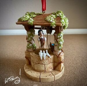 2017-Disney-Snow-White-Wishing-Well-Sketchbook-Ornament-Limited-Release-NIB