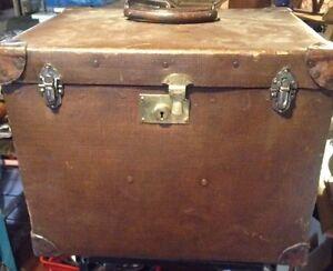 ancien coffre - France - Ancien coffre malle 40x51 Hauteur 40 Pas de clef - France