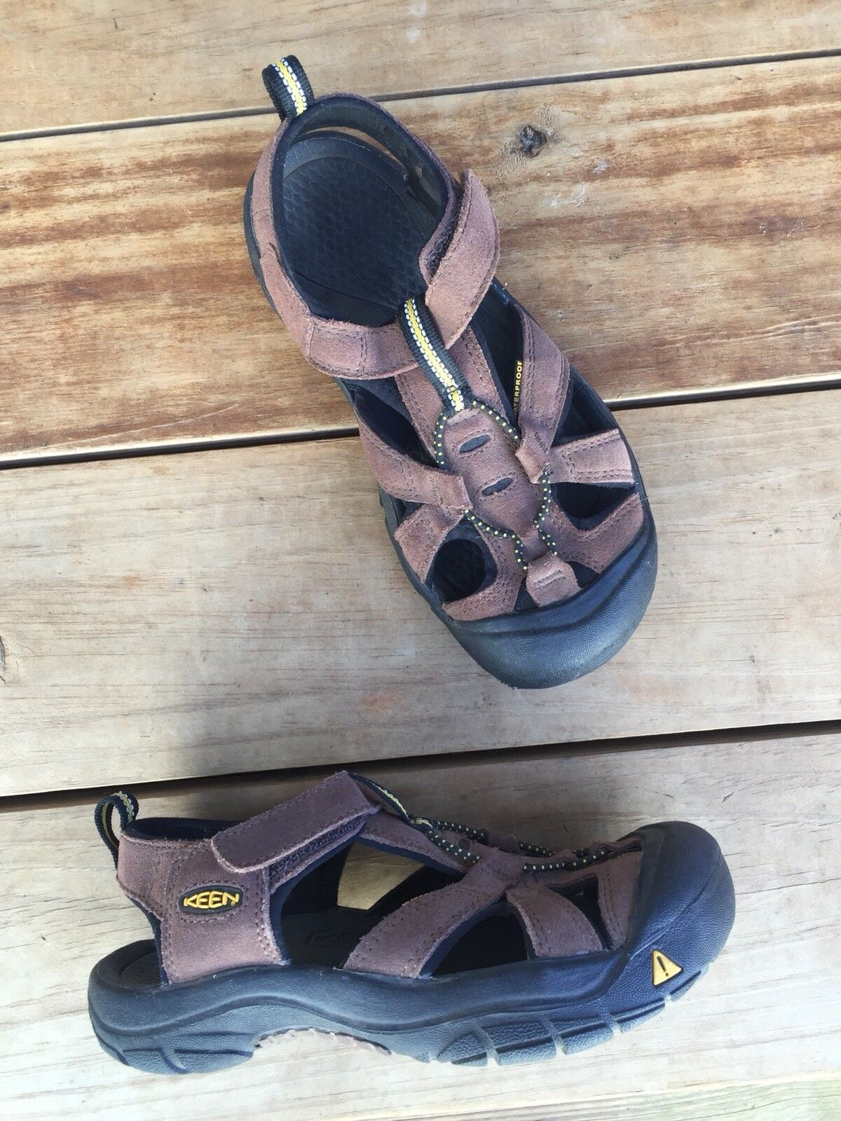 Keen Women's Whisper brown suede leather sandals sport hiking trail bungee Sz 5