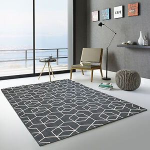 Tapis-exterieur-Graphique-Essenza-cubes-3D-noir-Terrasse-Jardin-Cuisine-Bain