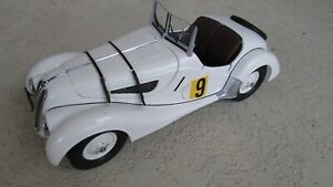 1940-BMW-328-raced-in-Mille-Miglia-by-Hans-Struck-large-1-12-scale-craftsmanship