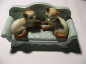 Porzellan-Porzellanfigur-Katzen-Sofa-Bemalt