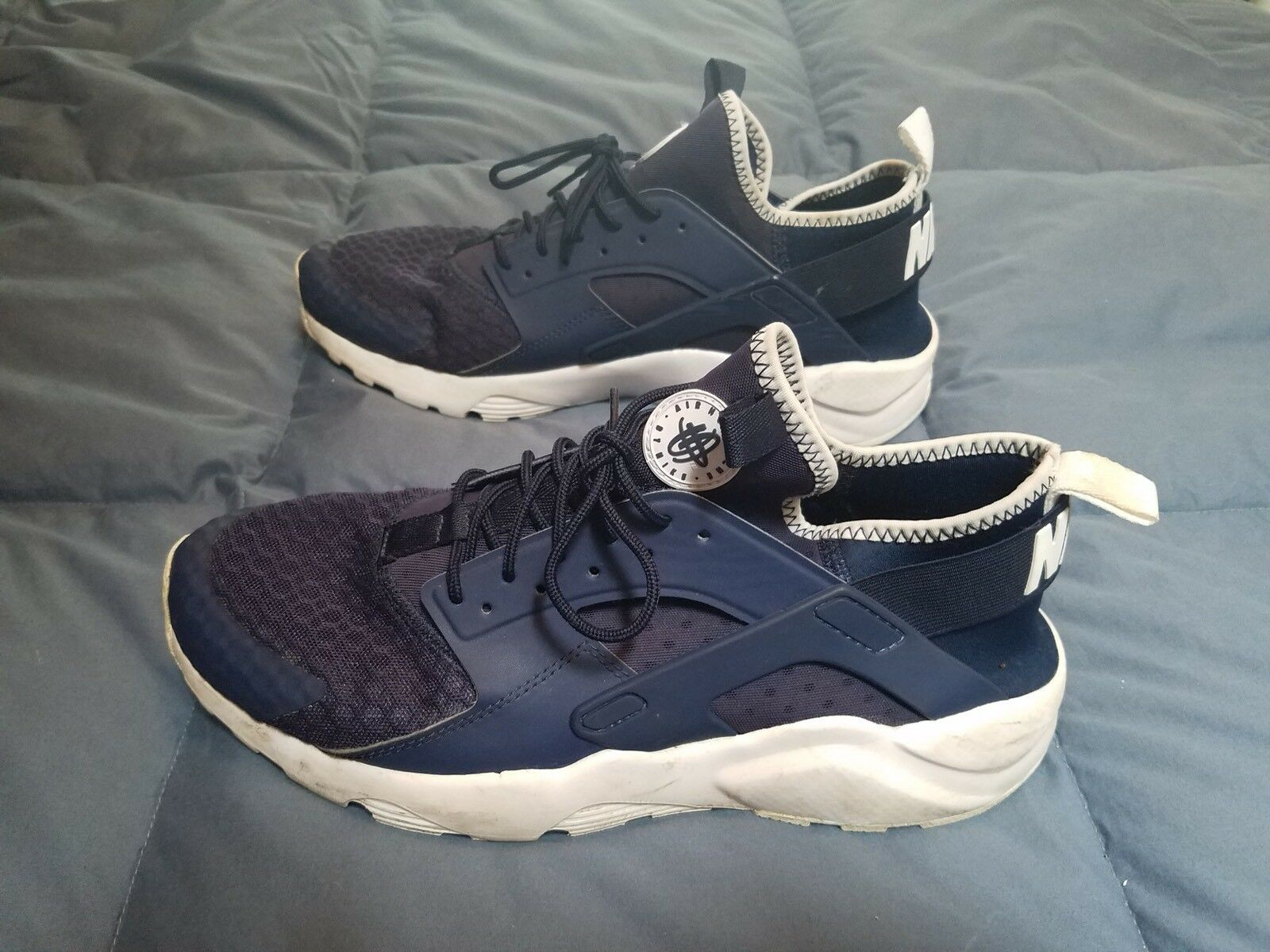 NIKE AIR HUARACHE RUN Size 11