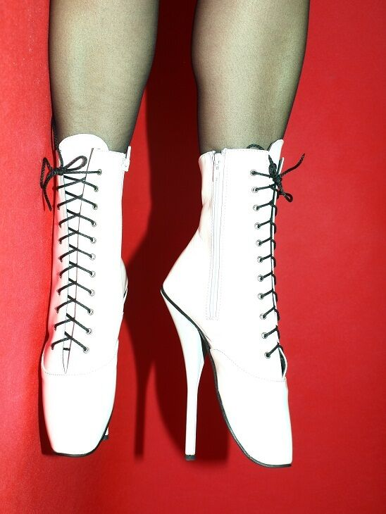 PATENT LEATHER WHITE BALLET BOOTS SIZE 5-16 HEELS 8,4' 21cmPOLAND FS1137