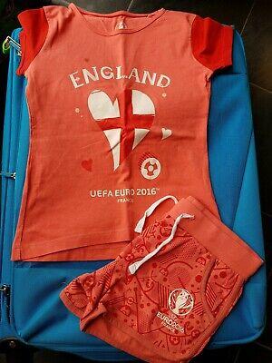 Ragazze Pantaloncini E T Shirt Set Inghilterra Uefa 2016 Età 4 - 6 Anni-mostra Il Titolo Originale Altamente Lucido
