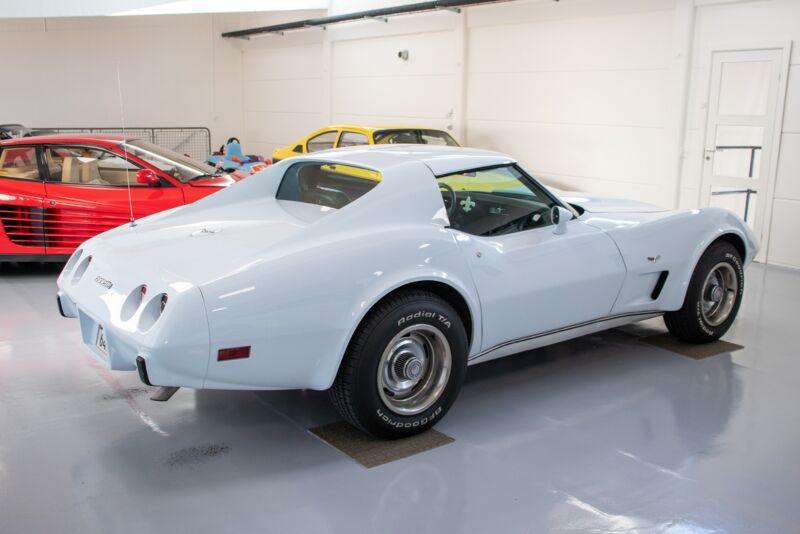 Chevrolet Corvette V8 Stingray - 4