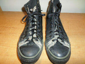 Converse-All-Star-Chuck-Taylor-Men-039-s-Size-11-Black-Leather-High-Top-Shoes