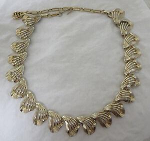 Vintage-Gold-Tone-Coro-Necklace