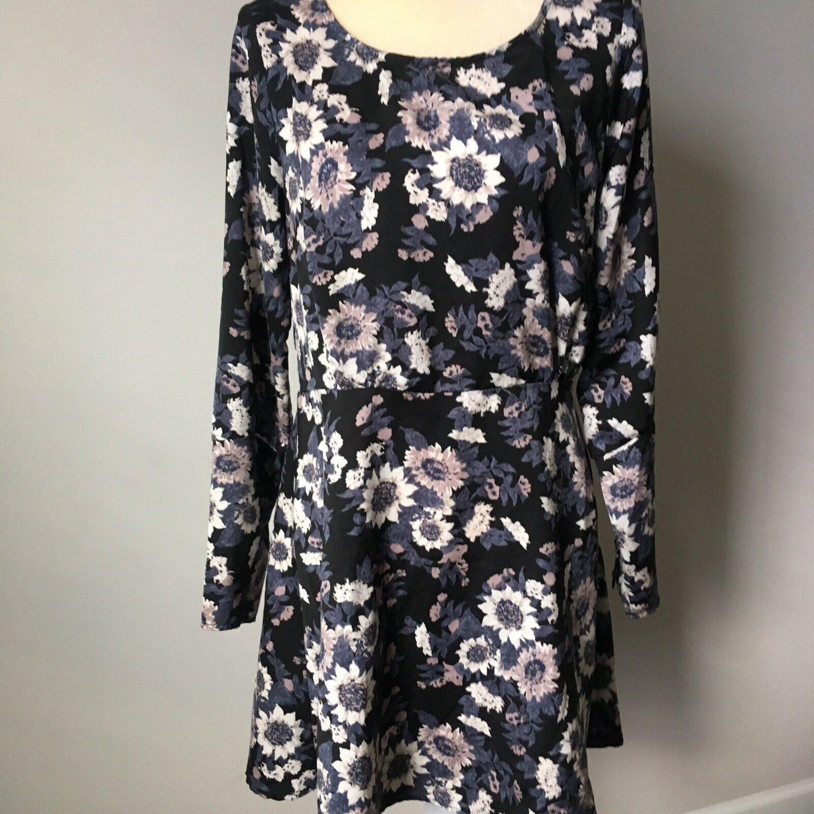 Free People Parker Dress 10 Floral Crew Neck Side Zip Button Detail Long Sleeves
