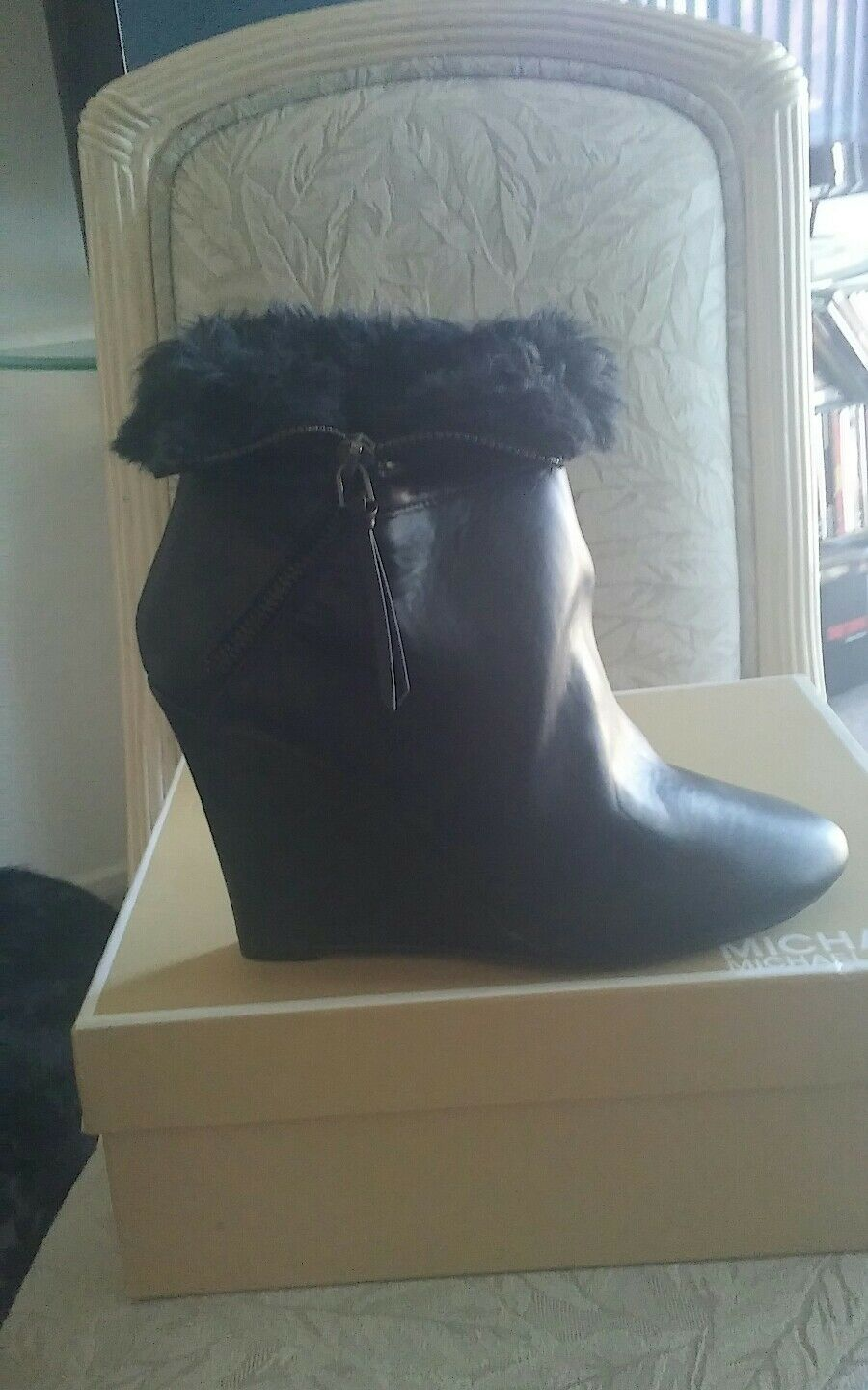 "AUTHENTIC "" L-REMEDY "" WOMEN'S BLACK FAUX FUR FAUX LEATHER BLACK BOOTS SIZE 10M"