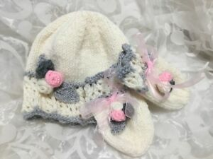 4fa7622d6cc Image is loading HAND-KNITTED-BABY-HAT-amp-MITTEN-SET-CREAM-