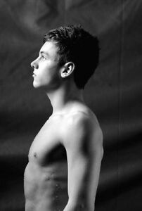 TOM DALEY UNSIGNED PHOTO - 272 - OLYMPIC MEDALLIST DIVER