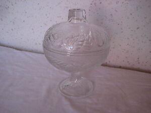 Sucrier ou Bonbonnière en verre - France - Sucrier ou Bonbonnire en verre 12 cm de diamtre par 16 cm de haut - France