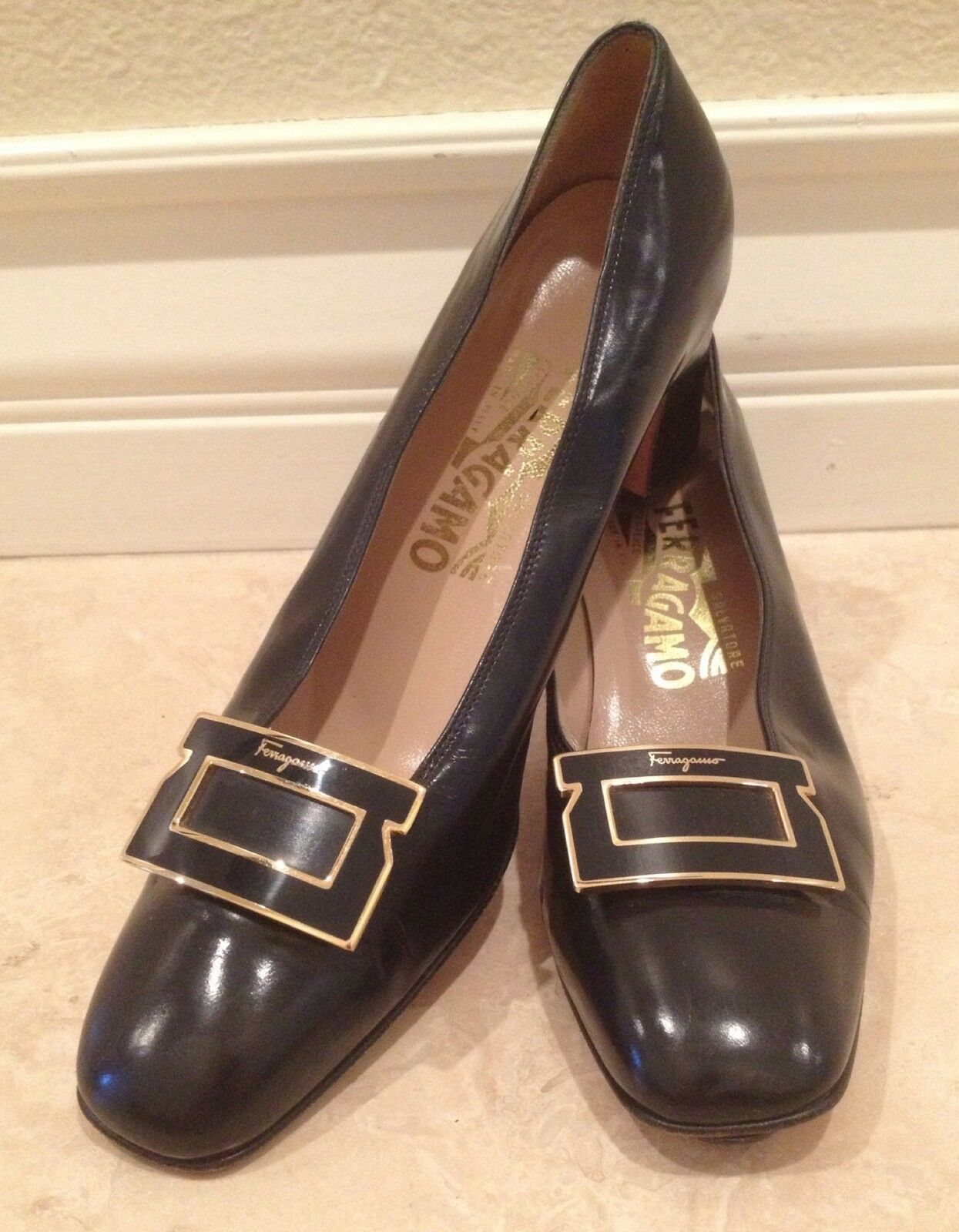 SALVATORE FERRAGAMO Navy bluee  Leather Heels w  Lg Gancini & Signature 8 AA