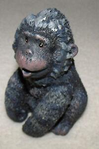 noah-039-s-ark-ape-by-hallmark-resin-material-3-3-4-034-tall-pre-owned