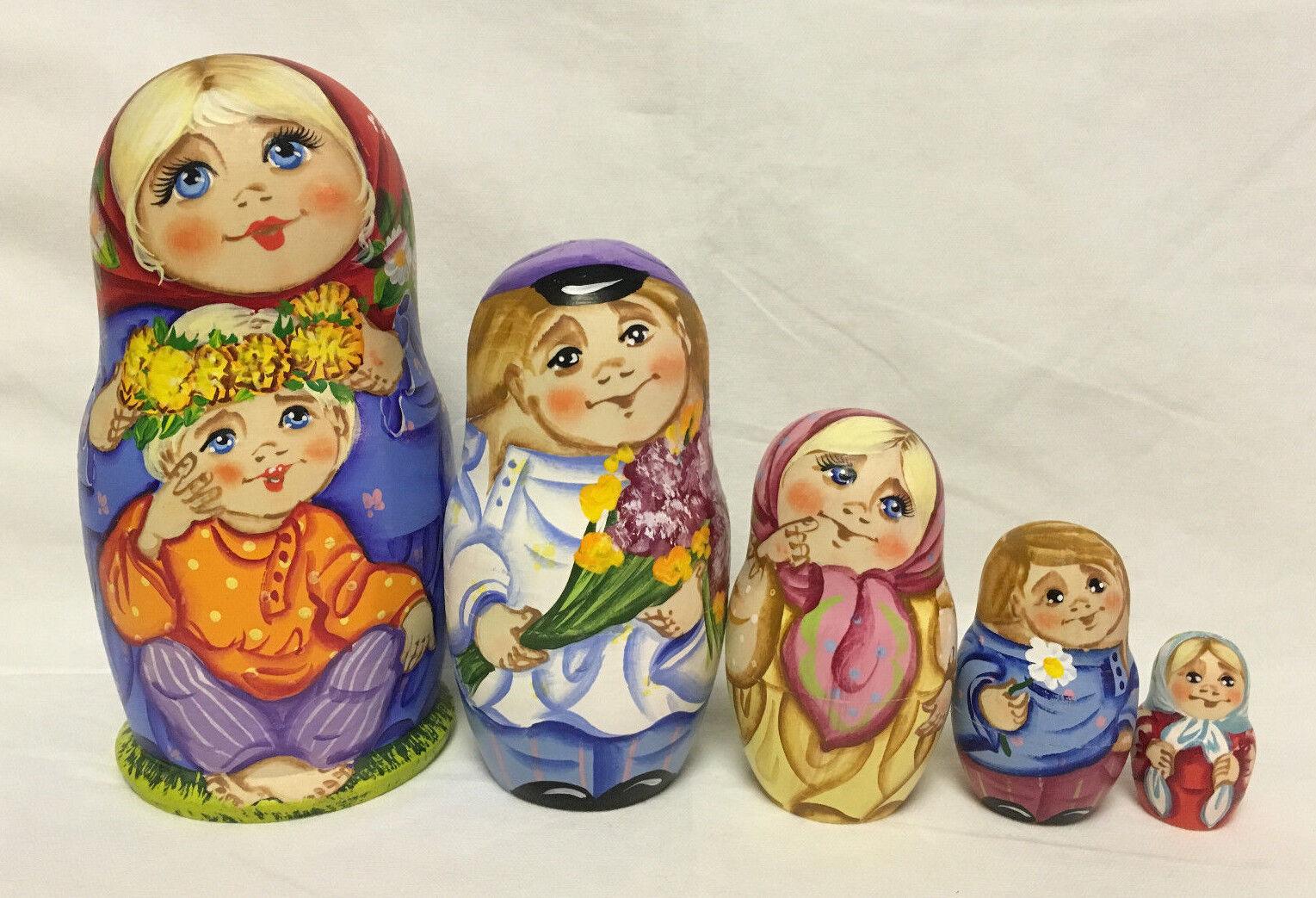 Russian Matryoshka Russian Wooden Nesting Dolls - 5 pieces  8