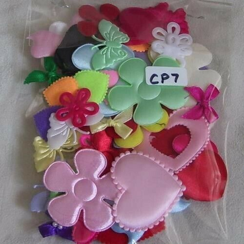 BUTTERFLIES 50 MIXED HEARTS 5 CM 13 TO CHOOSE FLOWERS EMBELLISHMENTS 2 CM