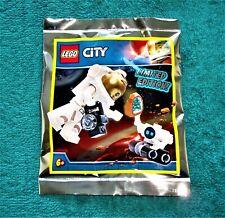 Robot  951908 New Sealed Free UK Post LEGO City Astronaut
