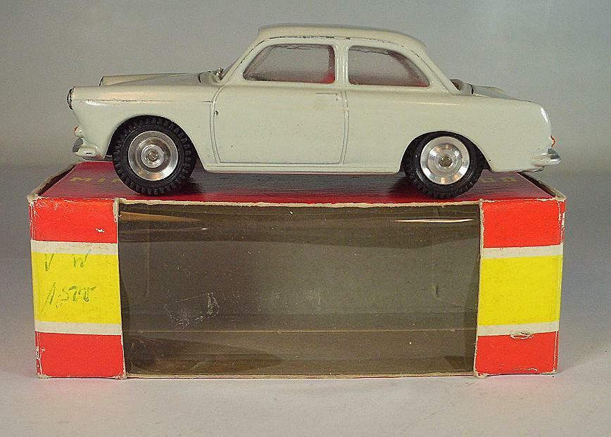 Gama mini - mod - 1   46 nr. 9490 vw 1500 limousine hellgrau ovp   6386