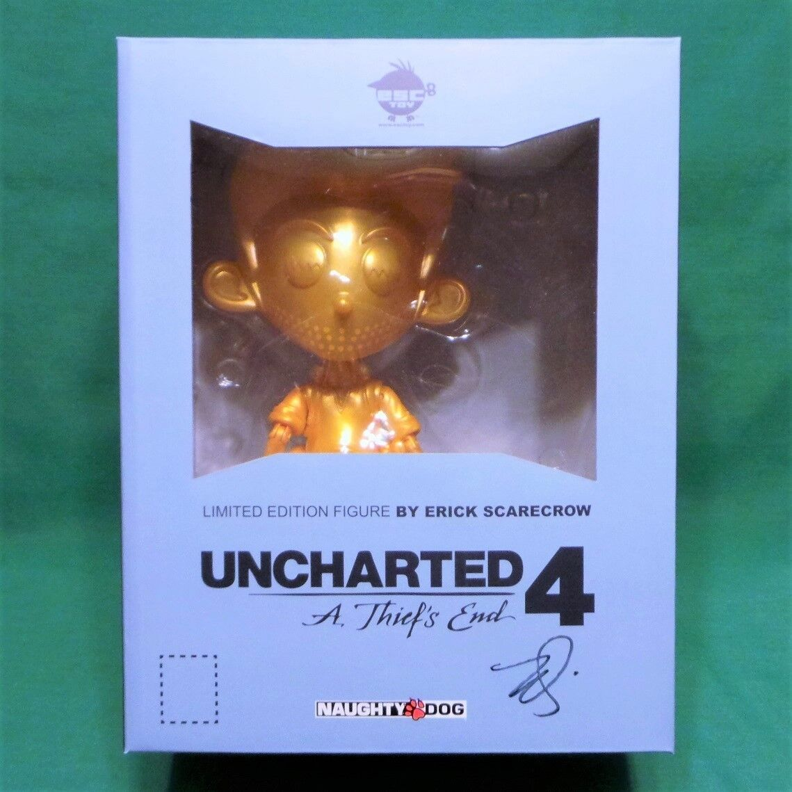 Uncharted 4 Signed gold Nathan Drake Figure + Pin & DLC Limited 100 Made ESC Toy