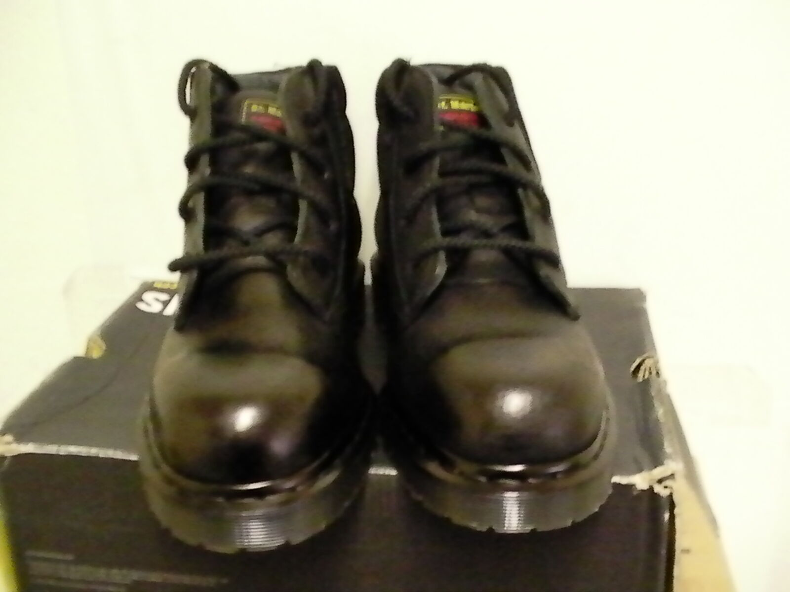 Dr martens boots boots boots new icon 4 eye boot steel toe size 8 M us 4a4c4a