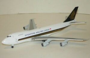 1-400-Jetx-Boeing-747-200F-Singapore-Airlines-Cargo-JX601-scale-model-diecast