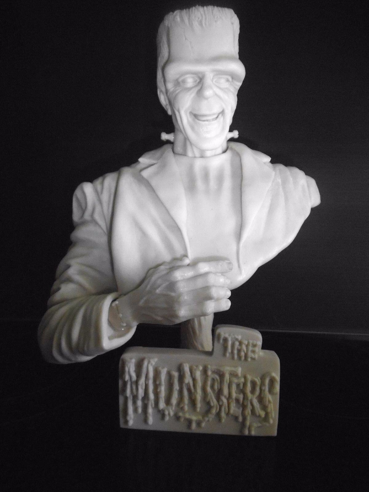 THE MUNSTERS.Herman Munster.resin bust .unpainted.