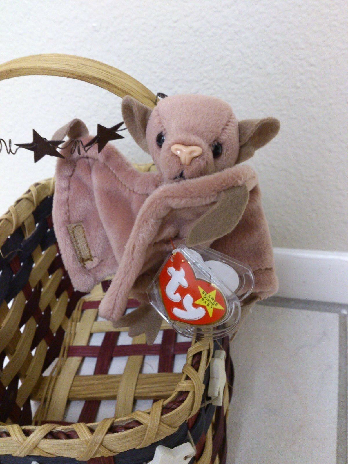 Ty BEANNIE BABY  BATTY  RARE RETIRED WITH TAG ERROR  MINT CONDITION