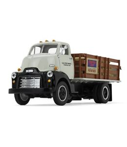 1-34-First-Gear-K-amp-B-POTATO-FARMS-1952-GMC-COE-Stake-Truck-w-Potato-Load-NIB